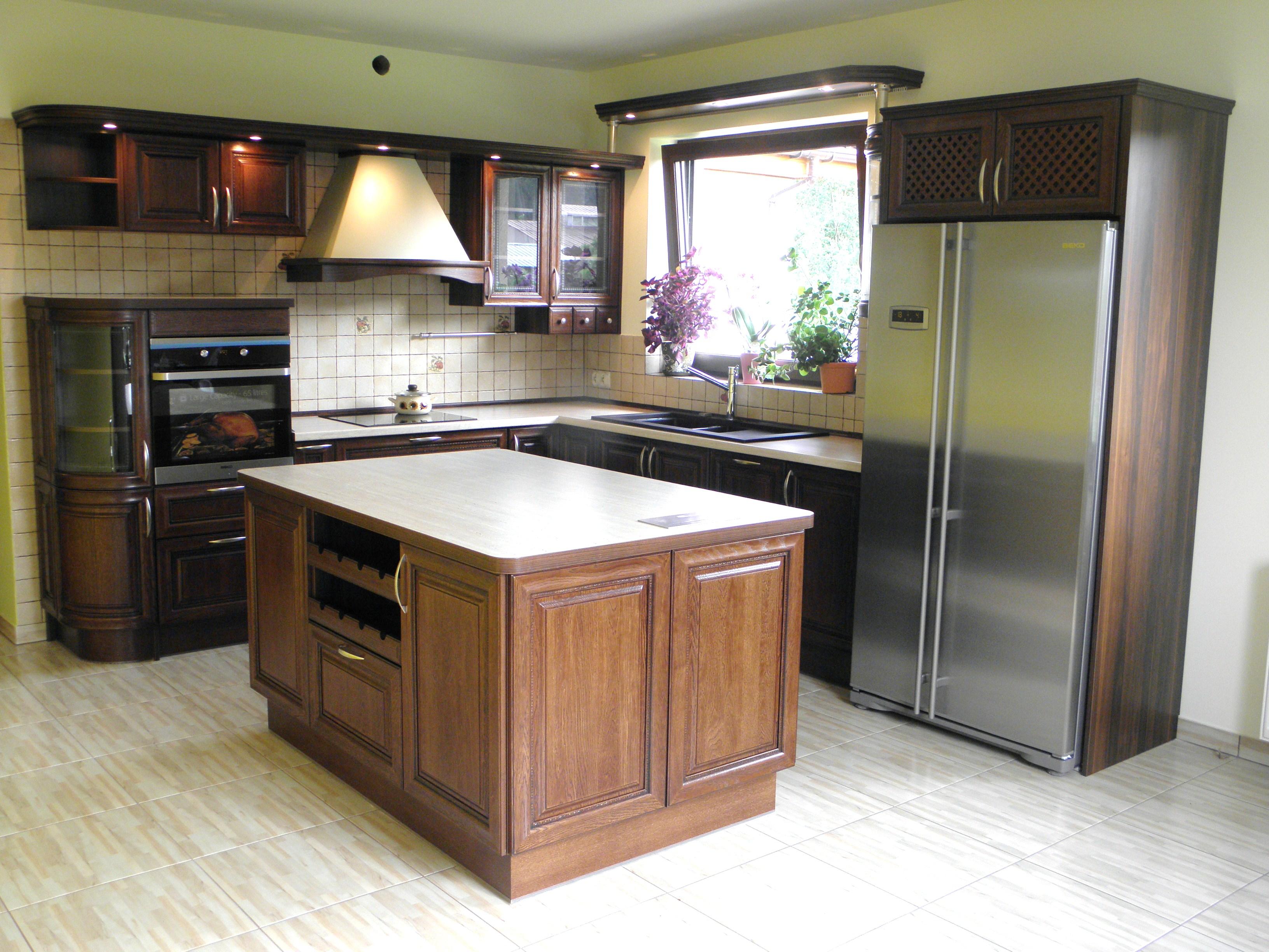 Tomir  Meble kuchenne i łazienkowe szafy i garderoby na wymiar